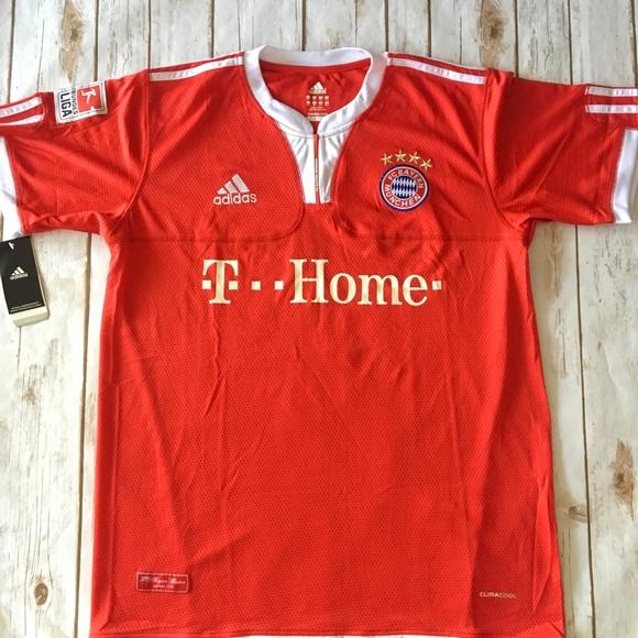 sports shoes 07f66 48fcc BNWT Bayern Munich jersey NWT